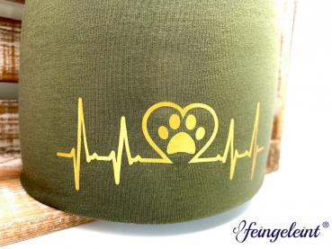Beanie | Mütze für Hundeliebhaber | Sofortkauf | Olive | Motiv 'Herzschlag'
